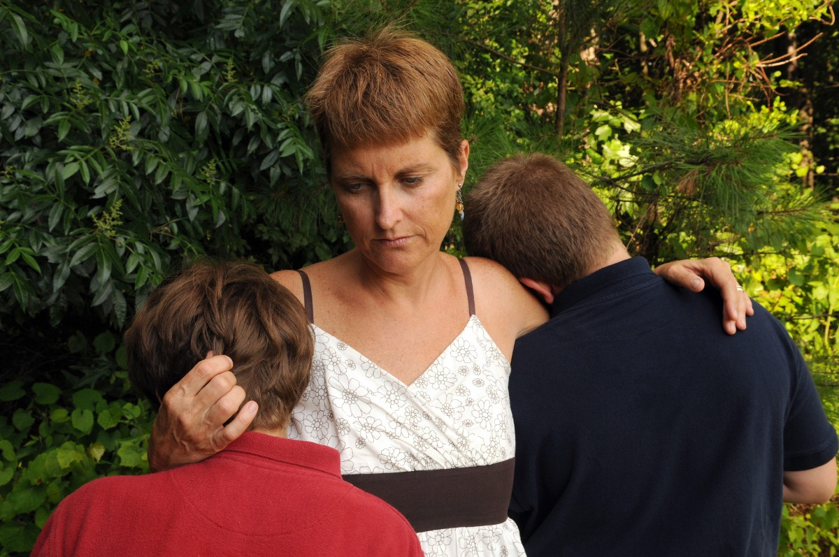 Wenn beide Elternteile versterben, tritt der im Testament benannte Vormund und Testamentsvollstrecker an deren Stelle.