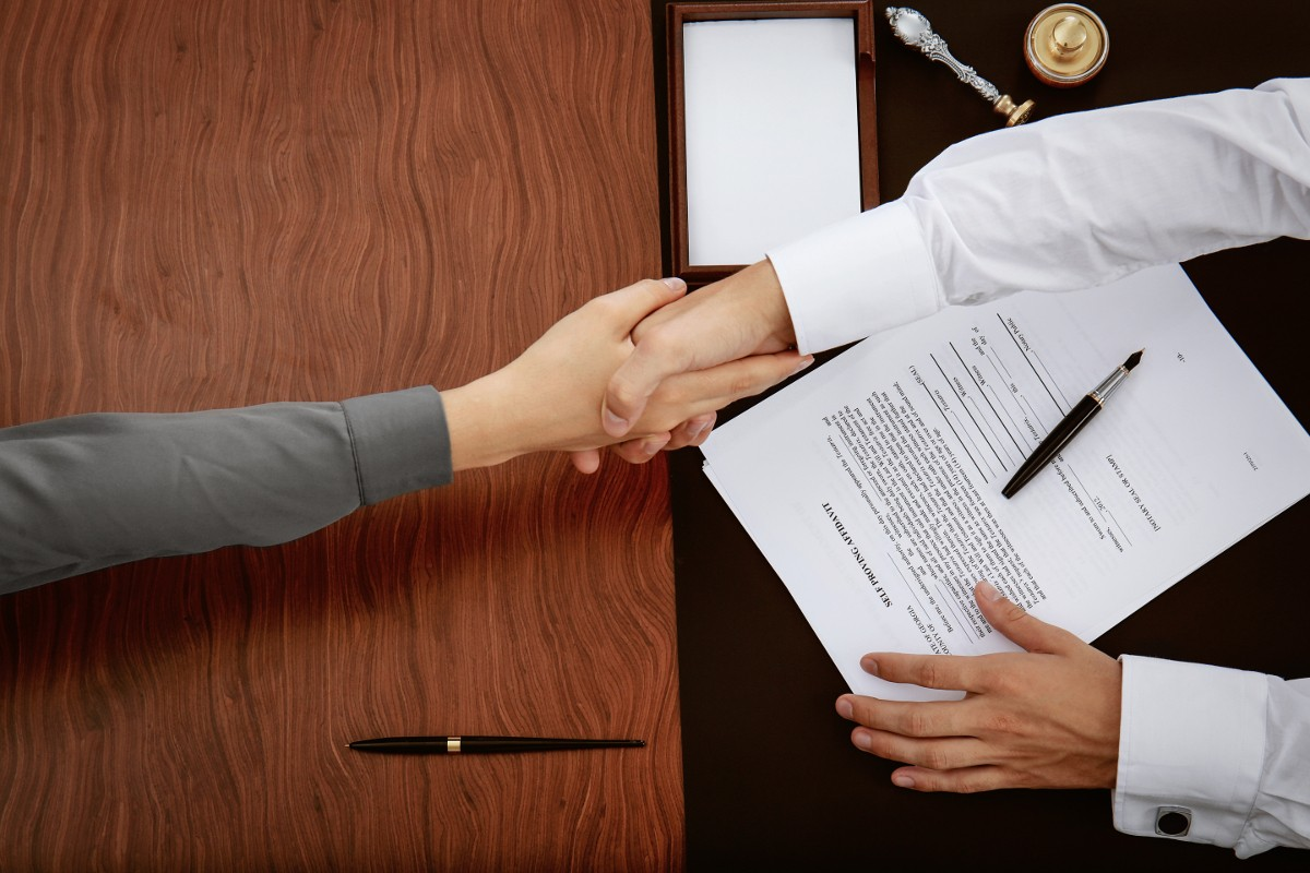 Auch Notaren können Fehler passieren – bei unwissentlichen Pflichtverletzungen sind sie Dank Vertrauensschadenversicherung und Notarversicherungsfonds abgesichert.