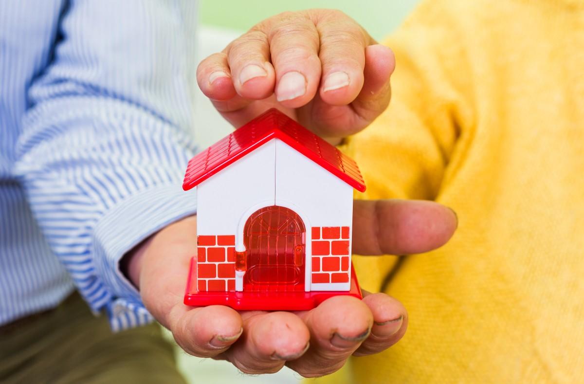 Wenn Vermögen und Immobilen bei denen landen sollen, für die sie gedacht sind, sollte man seinen Nachlass frühzeitig regeln.