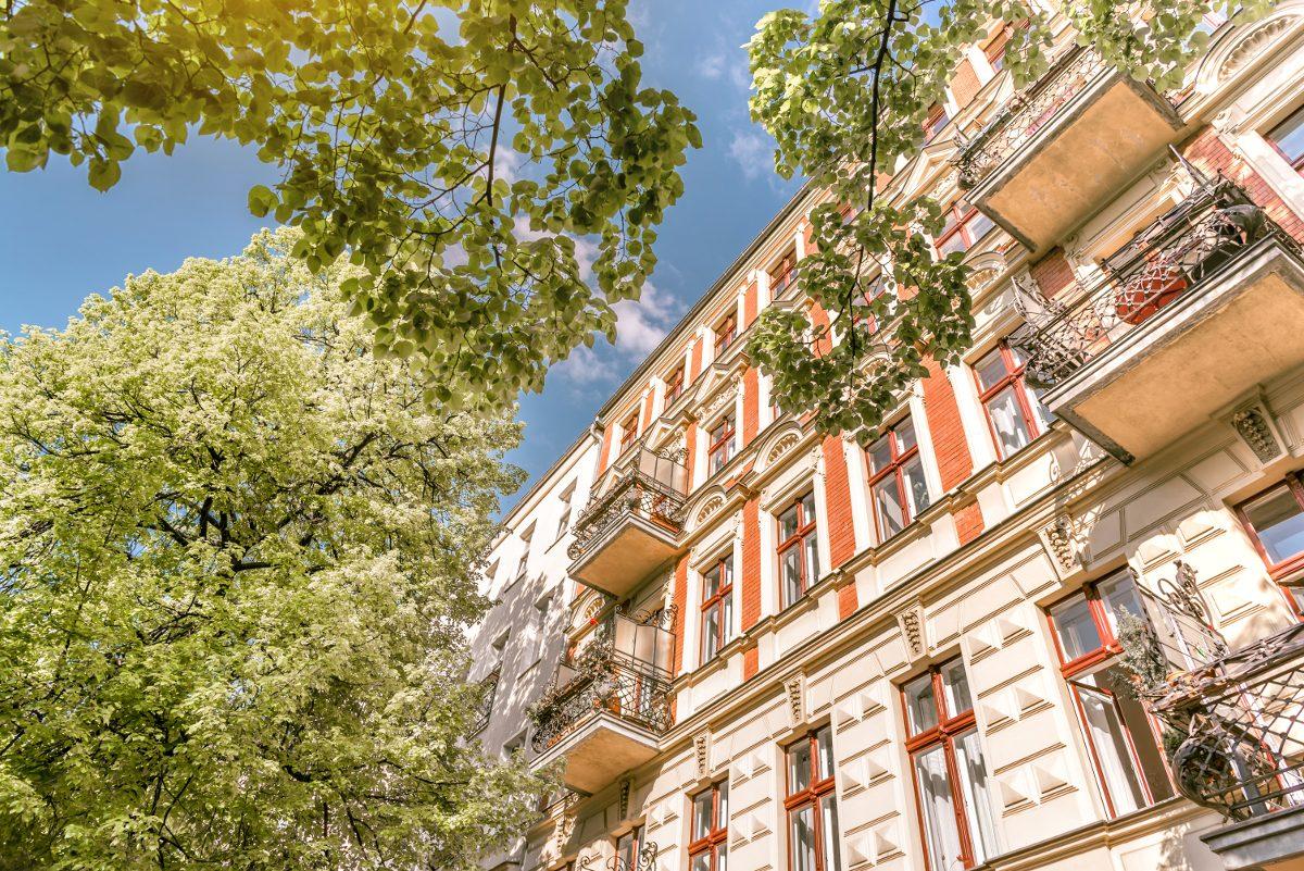 Beim Kauf einer Eigentumswohnung sollten Interessierte alle anfallenden Kosten im Blick haben.