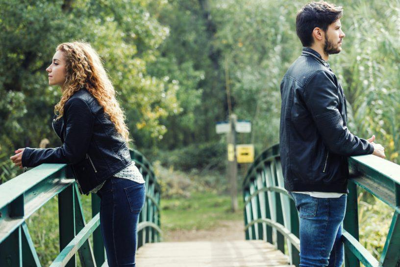 Mit einer Trennungs- oder Scheidungsfolgenvereinbarung können Paare hohe Gerichtskosten umgehen.