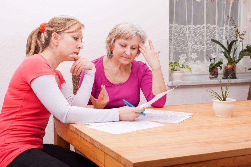 Für den Fall, den eigenen Willen zu Behandlungsmethoden nicht meh selbst äußern zu können, vorzusorgen, ist eine Patientenverfügung empfehlenswert.