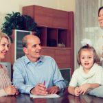 Um Familienmitglieder abzusichern, kann ein Pflichtteilsverzicht die richtige Lösung sein.