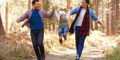 Gleichgeschlechtiches Paar mit Kind